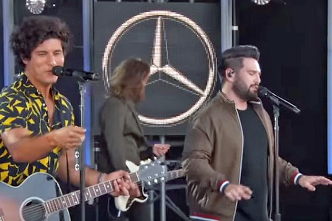 e5ea5ace16b Dan + Shay Leave Fans  Speechless  With Harmonies on  Kimmel