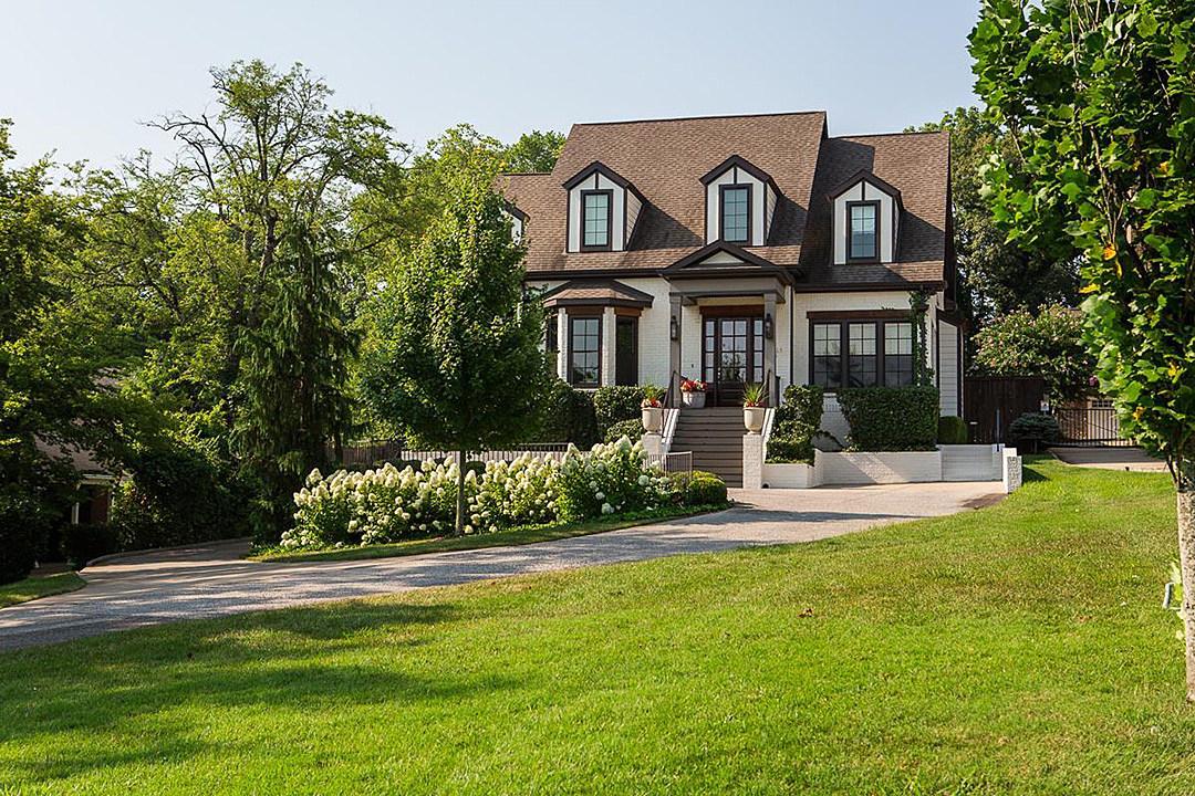 See Inside 'Nashville' Star Hayden Panettiere's Quirky Mansion