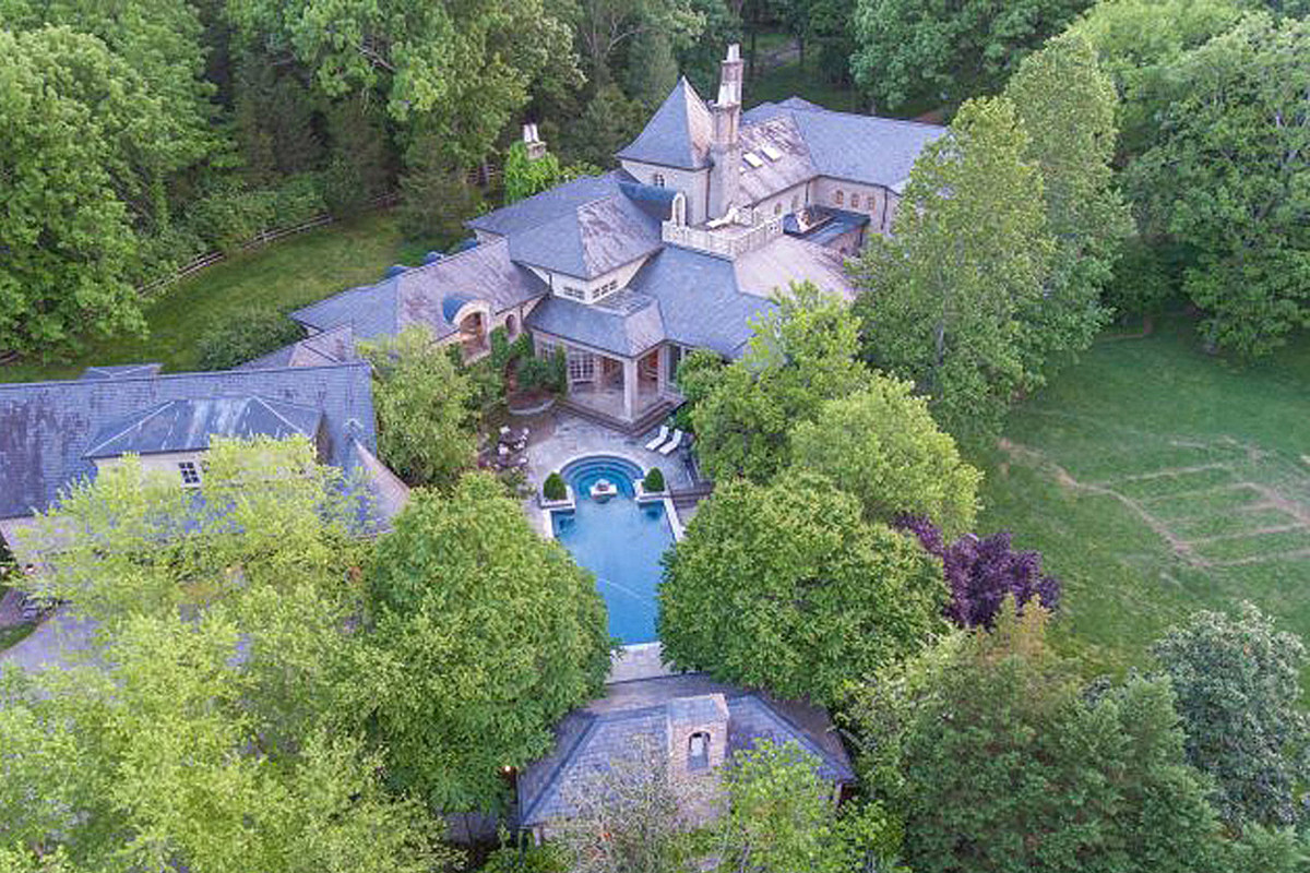 PICTURES: Whoa! See Inside Country Stars' Most Astounding Mansions