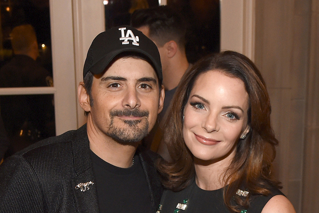 aa9b79da673 Brad Paisley and His Wife Opening Free Grocery Store in Nashville