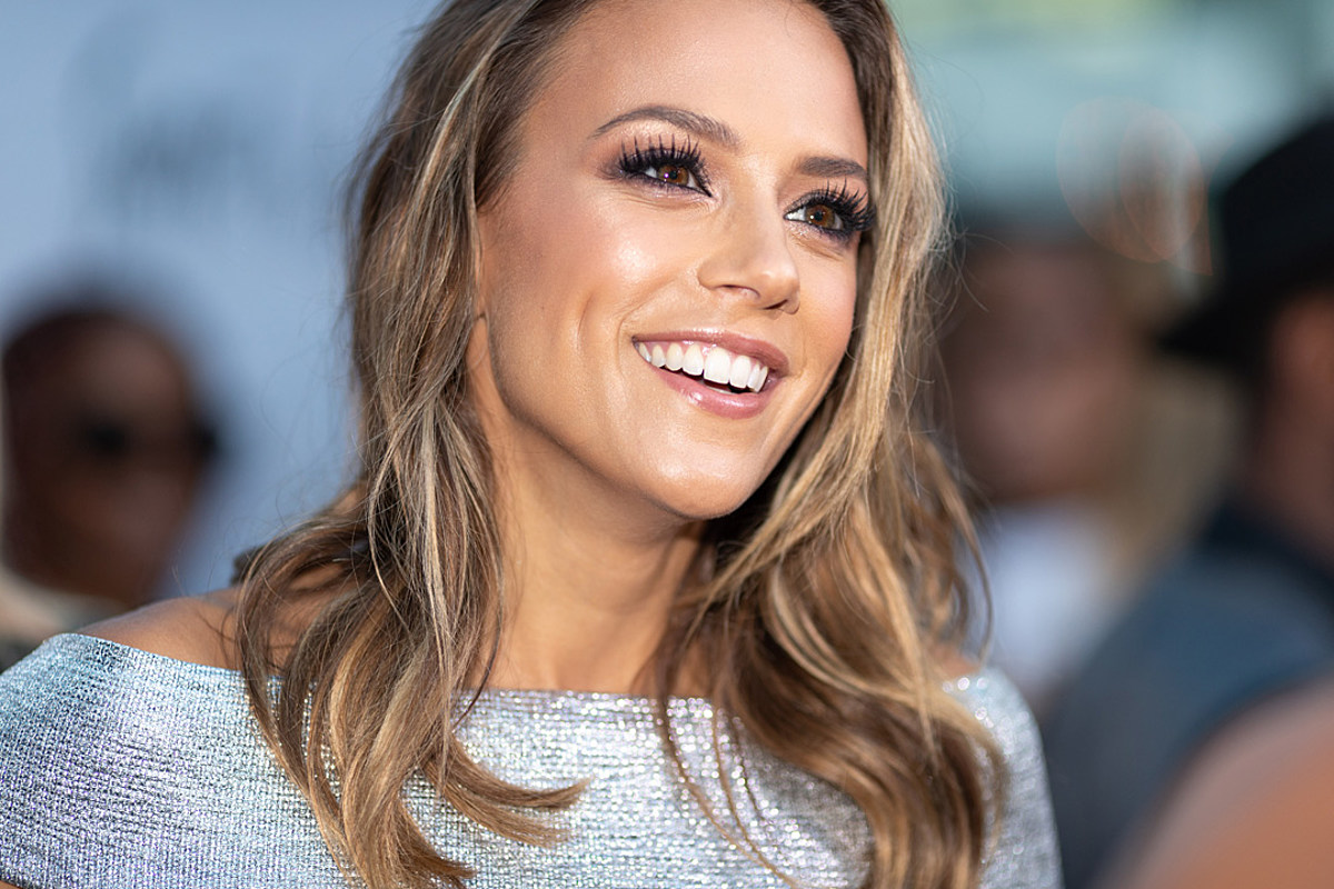 PICTURES: Jana Kramer Shows Off Her Breast Augmentation [NSFW]