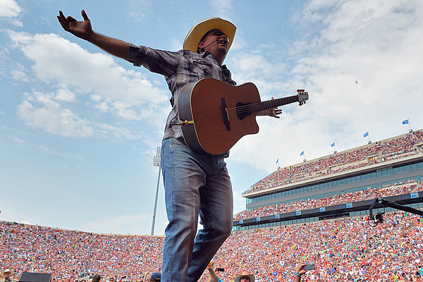 Garth Brooks Adds Second Minneapolis Stop At Governor S