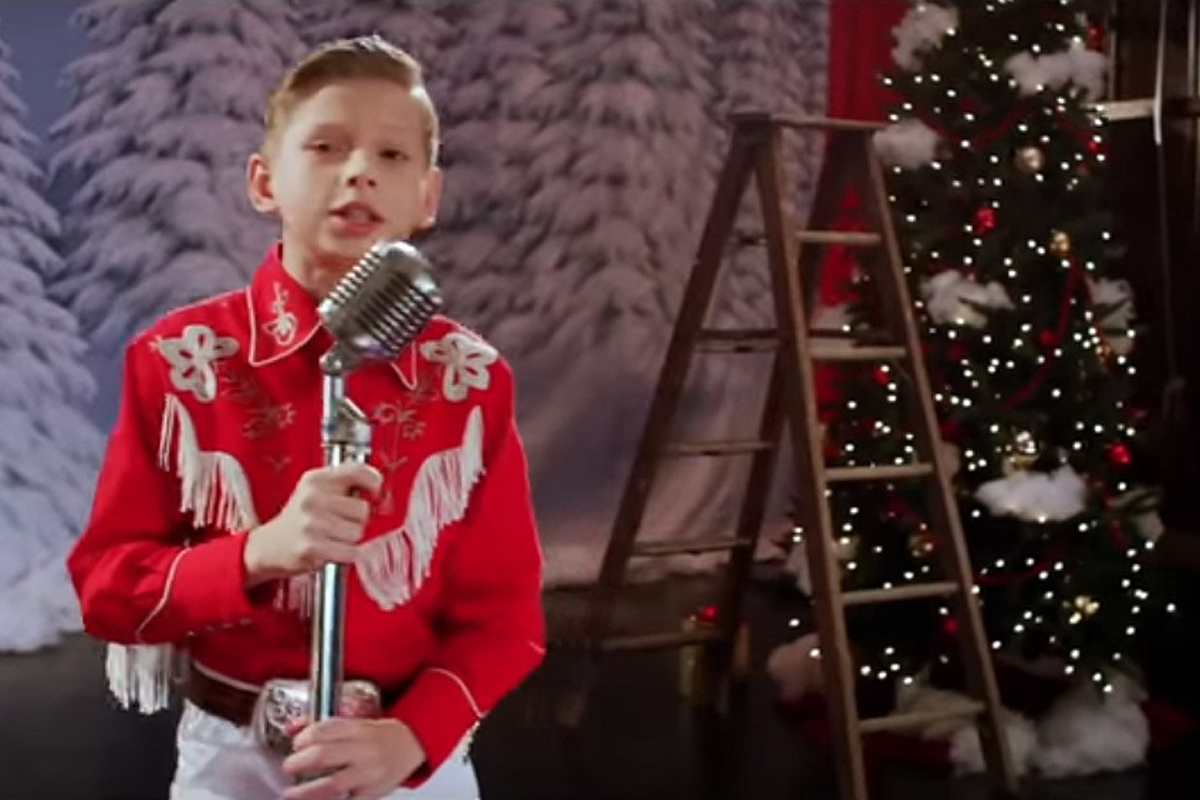 Mason Ramsey Is Having a Western 'White Christmas' in New Video