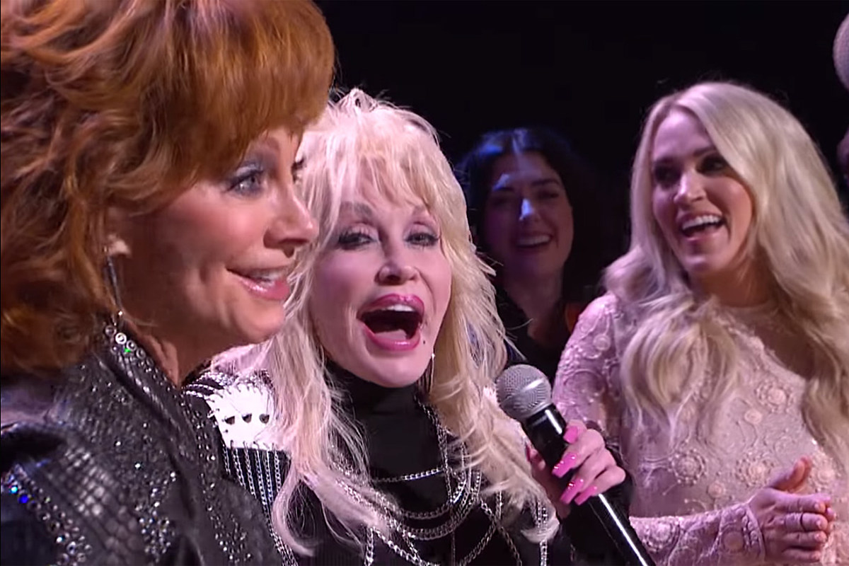 Remember When Dolly Parton Surprised Reba Mcentire On The