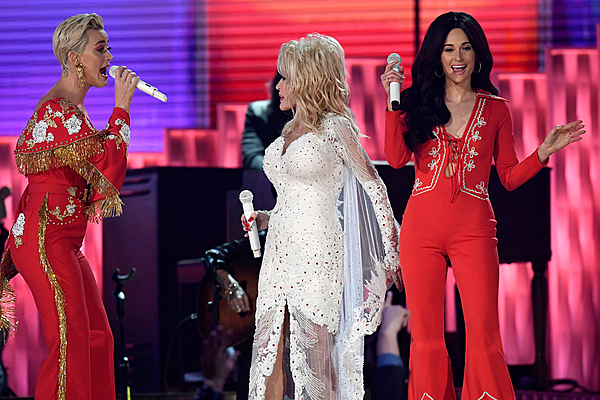 Dolly Parton Shines in All-Star Tribute to Her at 2019 Grammys