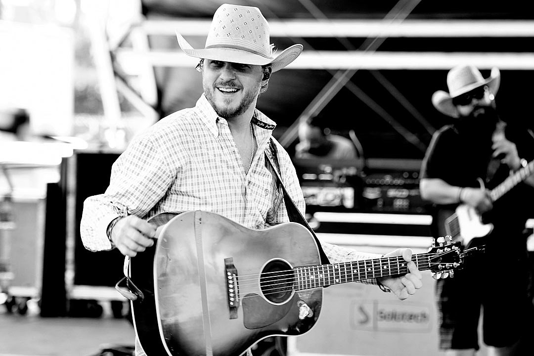 3e2885cd645 Why Cody Johnson s Family Tours With Him   I m Better With Them