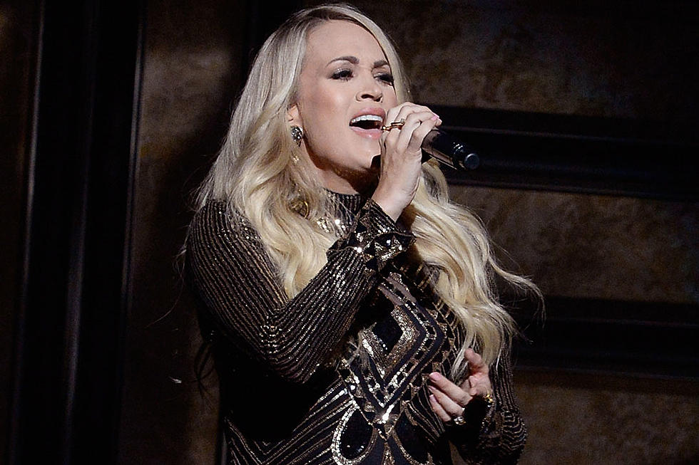6f4437ba4bf 5 Most OMG Moments of Carrie Underwood's Cry Pretty Tour