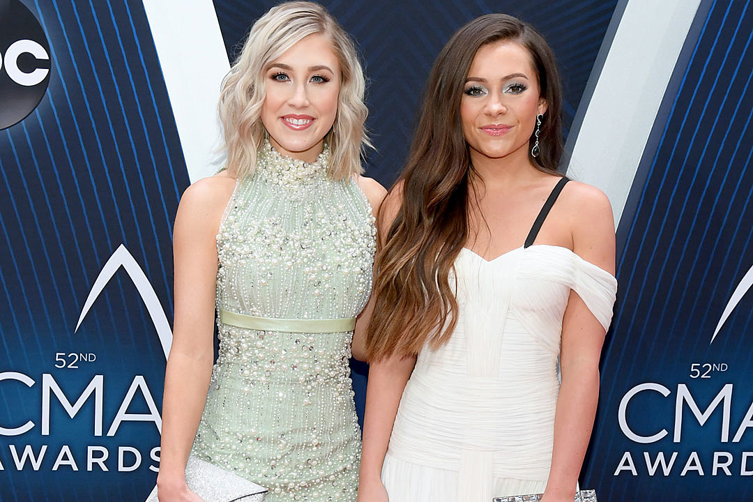 Maddie & Tae Are CMT's 2022 Next Women of Country Tour Headliners