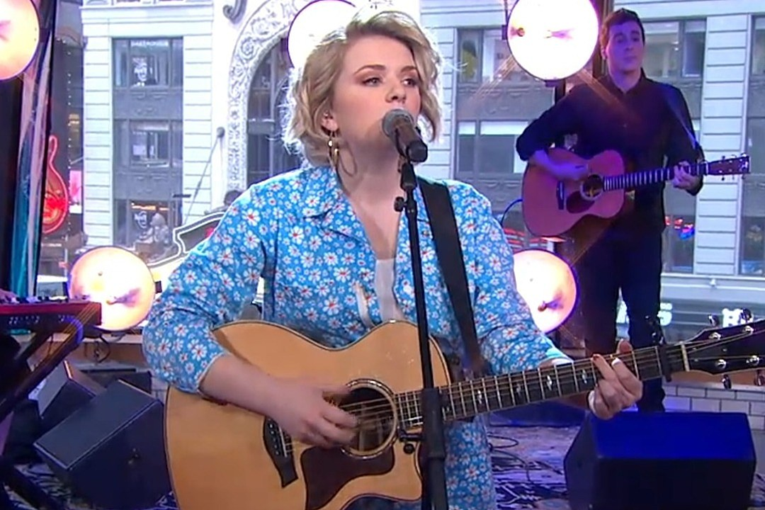 Maddie Poppe Performs New Single 'Little Things on 'GMA' [Watch]