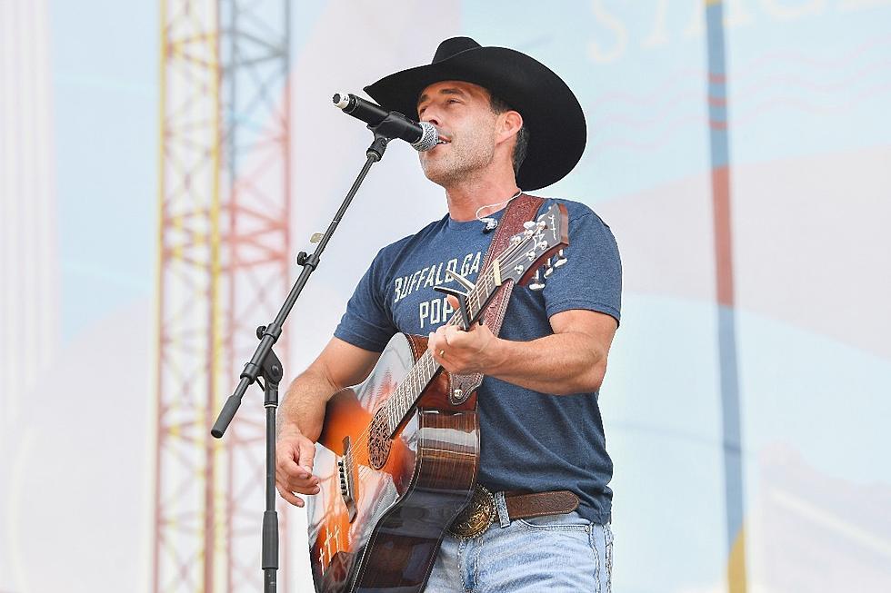Aaron Watson's 'Red Bandana' Promises 20 New Country Songs