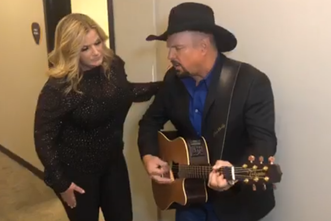 Garth Brooks, Trisha Yearwood Share Backstage Loretta Lynn Cover