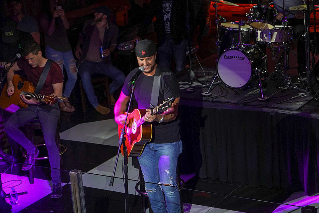 Luke Bryan Helps Raise 100K for Charity Ahead of 2019 NFL Draft