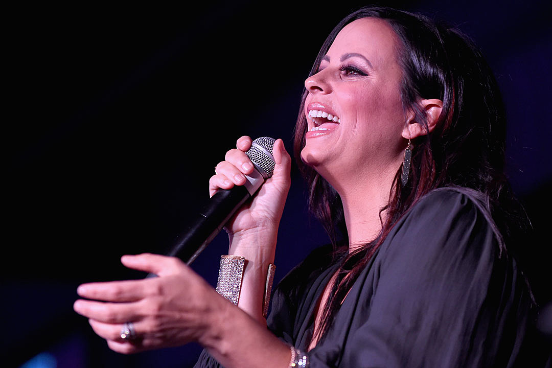 Sara Evans' Upcoming Album is Not 'Genre Specific'