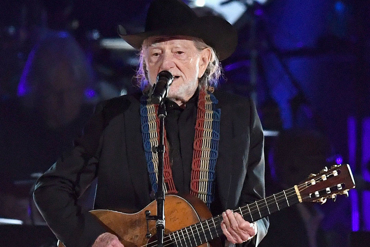 427bf63500 Willie Nelson Adds Second Leg of Outlaw Music Festival Tour Dates