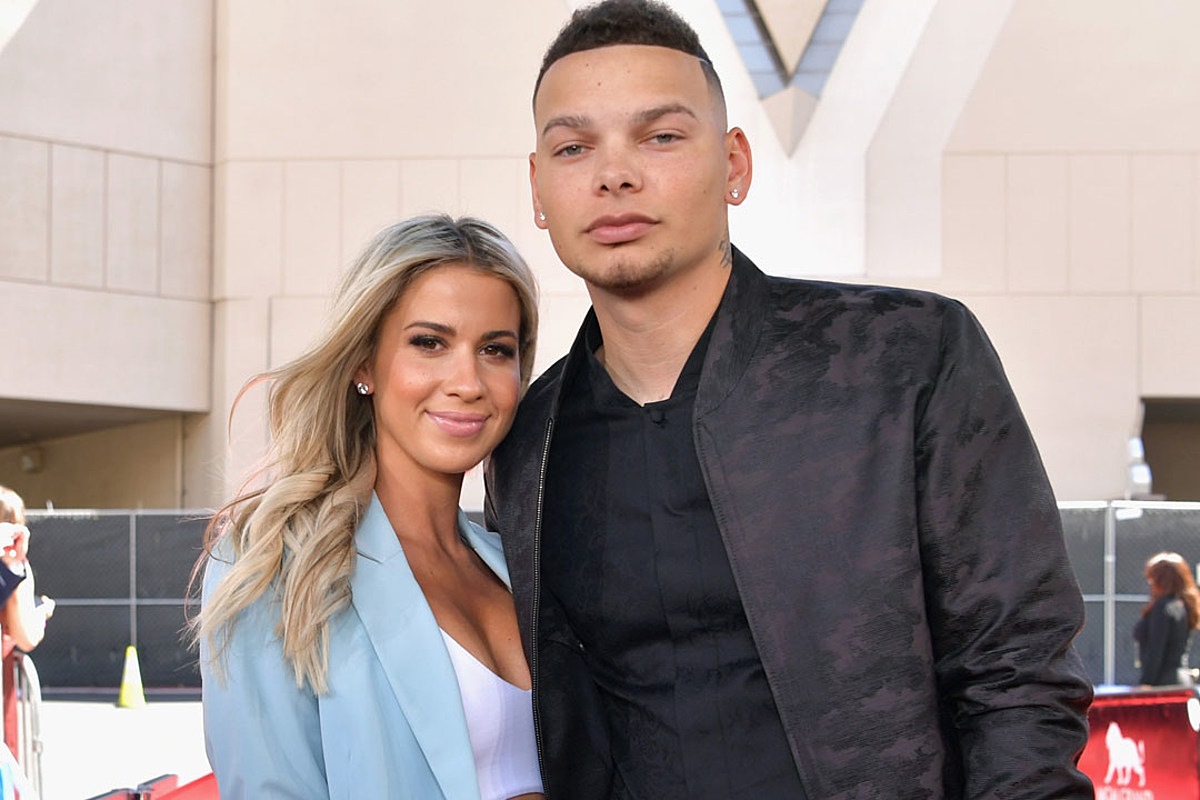 467ce428e Kane Brown's Wife, Katelyn Jae, Shows Off Growing Baby Bump