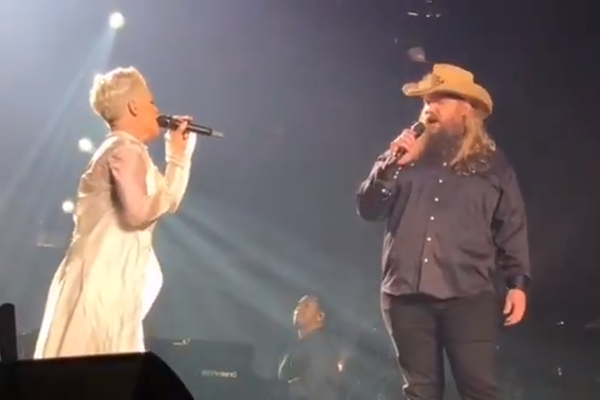 pink and chris stapleton debut their song love me anywhere live at concert in nyc kfkf. Black Bedroom Furniture Sets. Home Design Ideas
