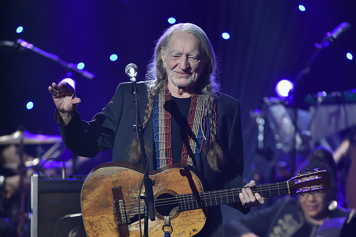 a486395ee7 Remember When Willie Nelson Cut Off His Trademark Long Braids?