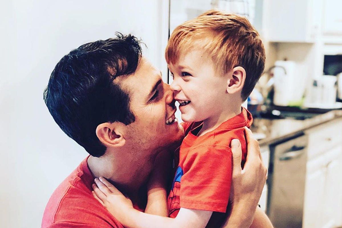 Granger Smith Honors Son Who Died With Tribute Shirt