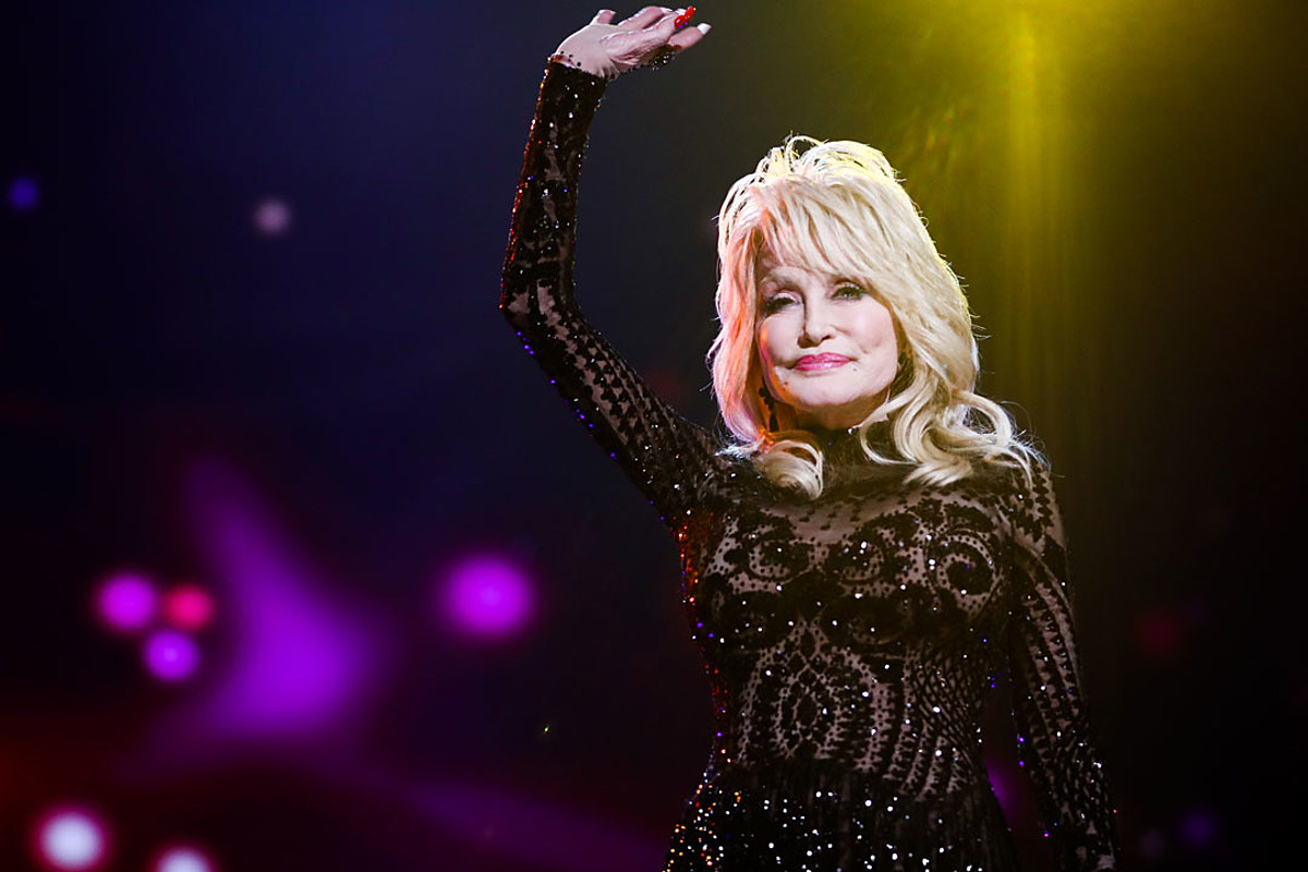 Dolly Parton Set for New Hallmark Christmas Movie