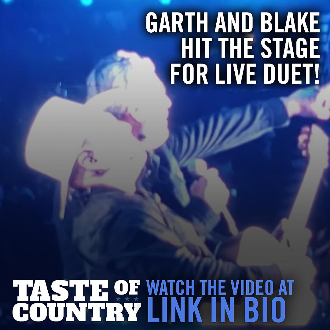 Garth Brooks, Blake Shelton Rock Boise With Live 'Dive Bar' Duet
