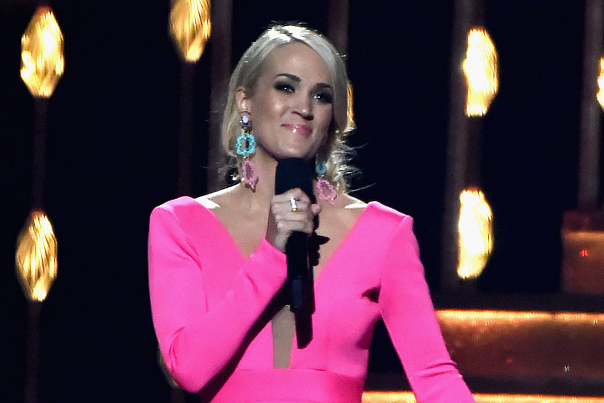 BREAKING: Carrie Underwood to Host the 2019 CMA Awards