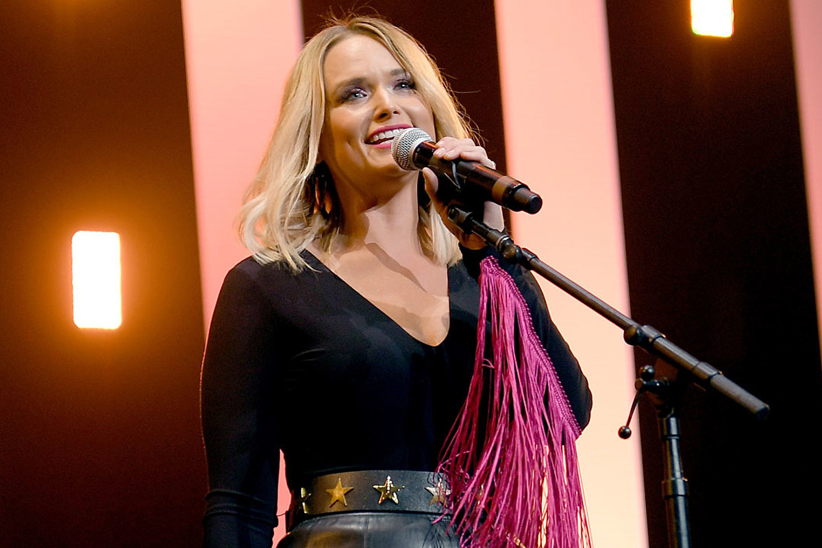Listen Miranda Lambert A Fighter Lover Optimist In Bluebird