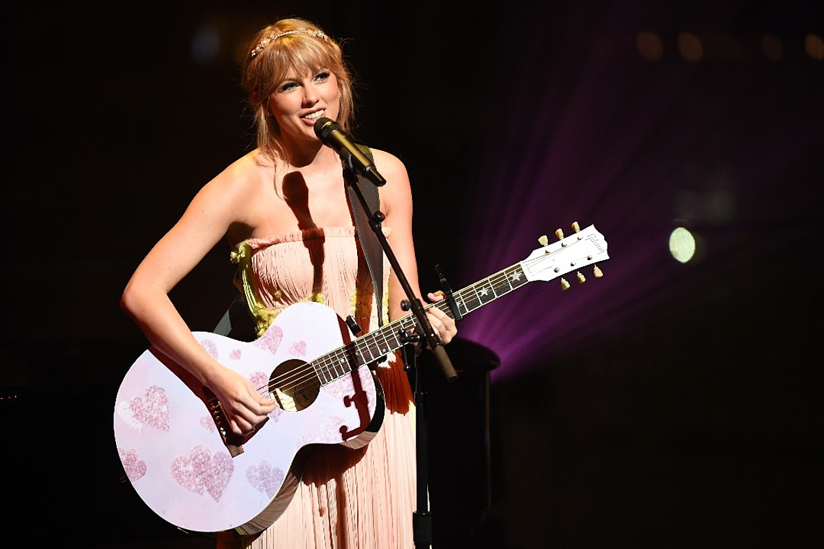 Taylor Swift Reveals Why She Wrote Speak Now By Herself