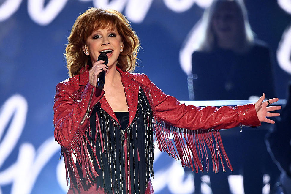 Reba Mcentire Christmas Guest.Reba Mcentire Named 2019 Cmt Artist Of A Lifetime