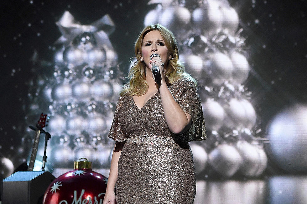 The Name Of The Big Band Orchestra On Cma Christmas 2020 Trisha Yearwood to Host 2019 'CMA Country Christmas'