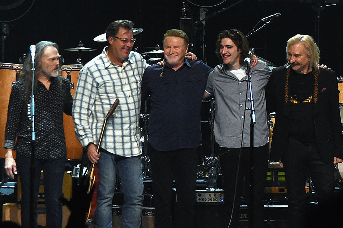 the eagles announce massive 39 hotel california 39 2020 tour. Black Bedroom Furniture Sets. Home Design Ideas