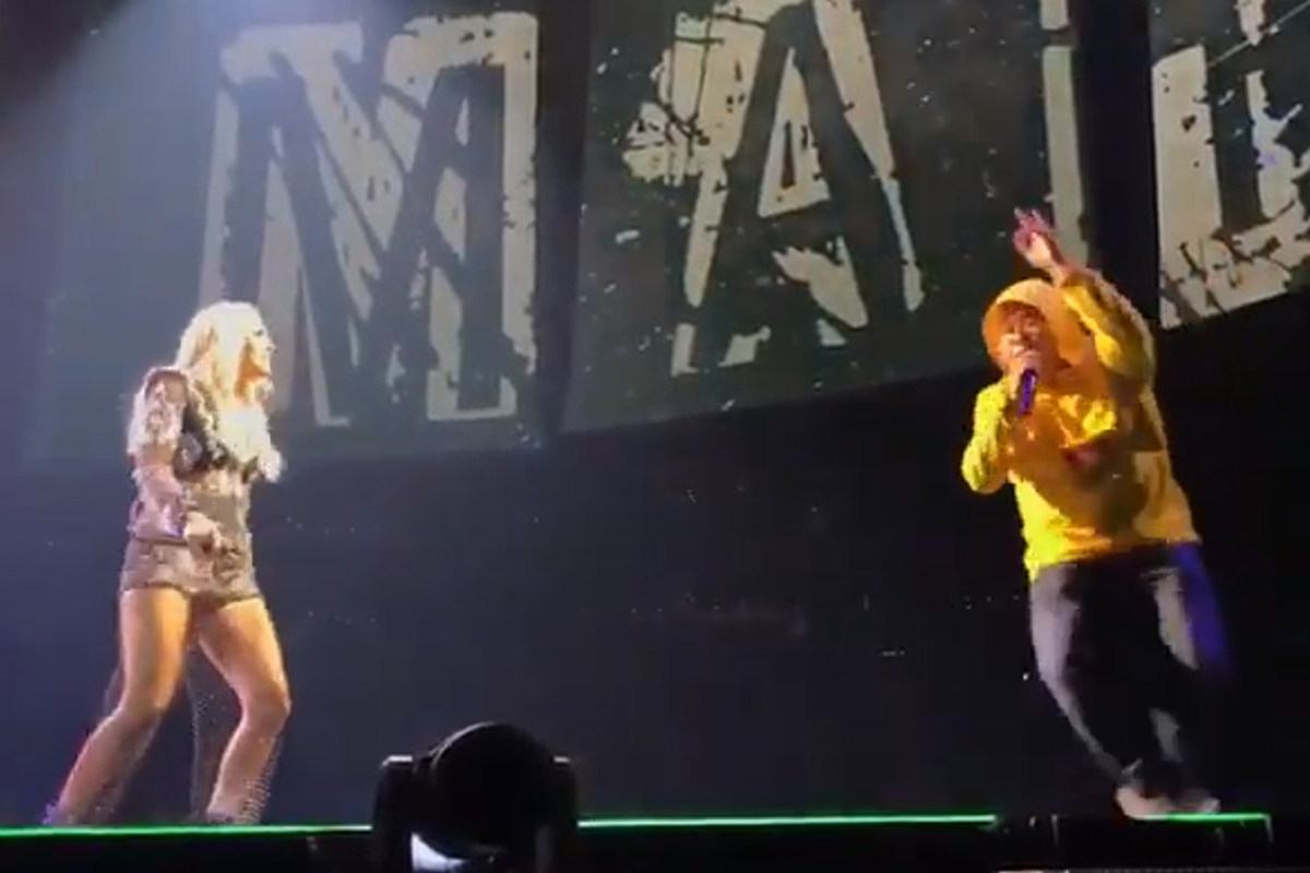 WATCH: Carrie Underwood Brings Fan Onstage to Rap With Her in Boston