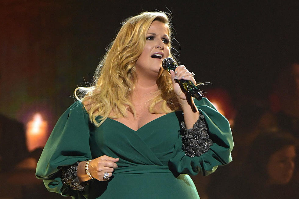 Trisha Yearwood Was Very Nervous To Host Cma Country Christmas