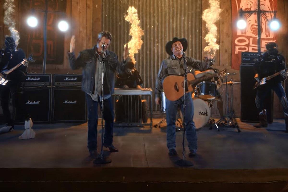 Can Garth Brooks & Blake Shelton Lead the Week's Top Videos?