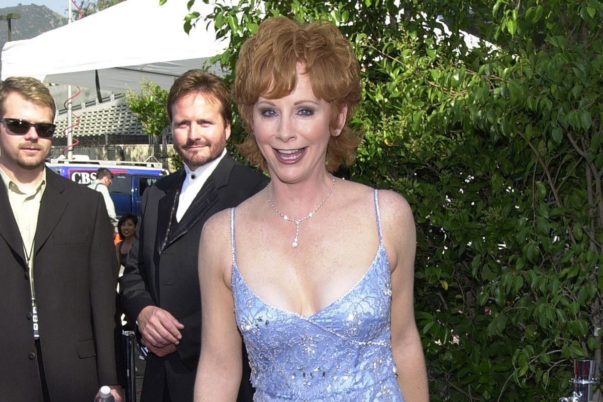 44 Years Ago Today: Reba McEntire Signs Her First Recording Contract
