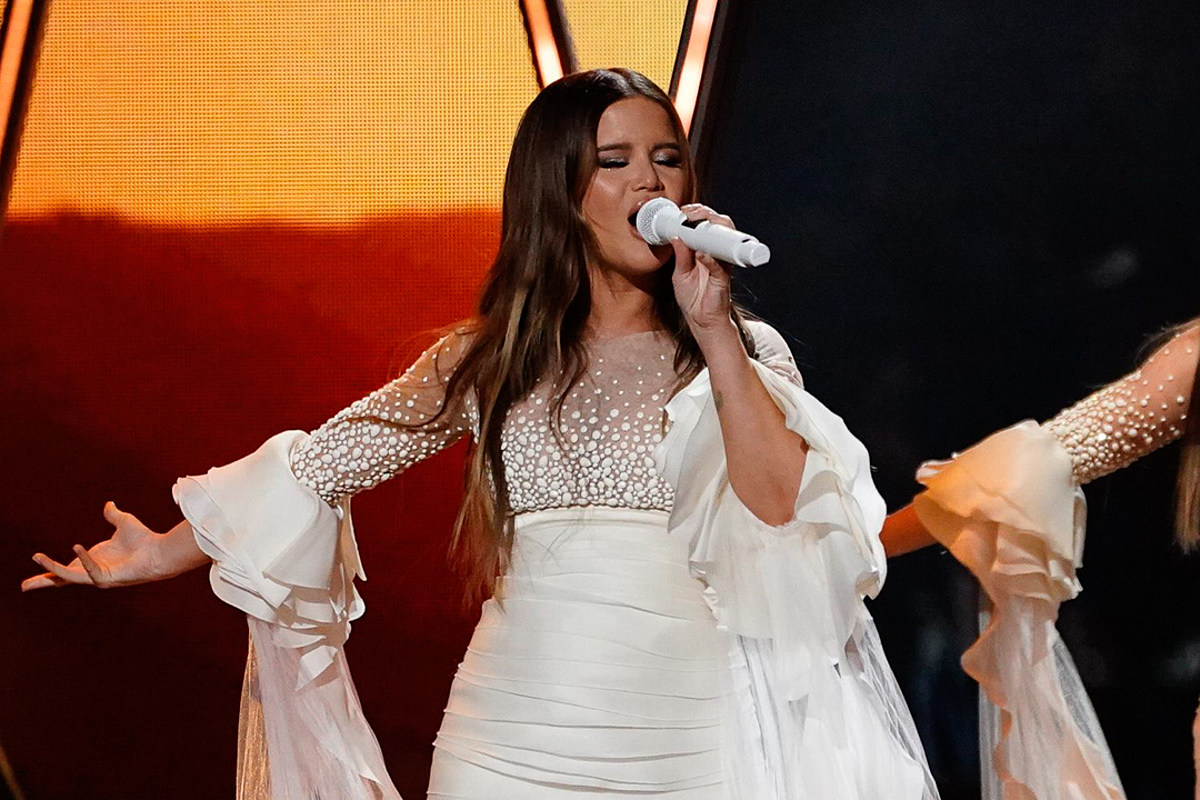 Maren Morris + Her Baby Wear Matching Swimwear to Kick Off Summer - Taste of Country