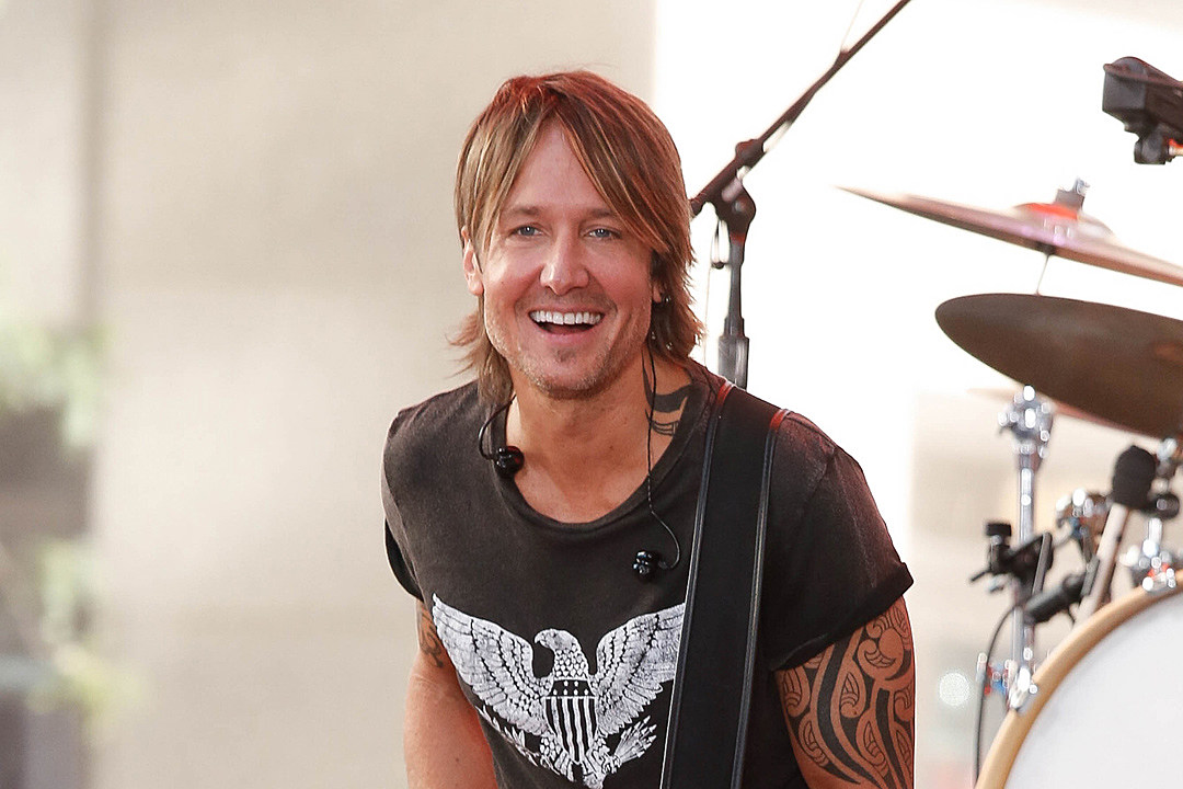 Keith Urban Covers Luke Combs' 'Even Though I'm Leaving' [Watch]