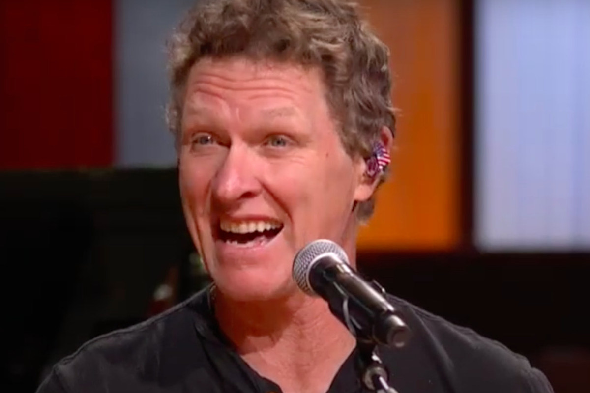 WATCH: Craig Morgan's 'The Mask' Is All of Us During the Pandemic