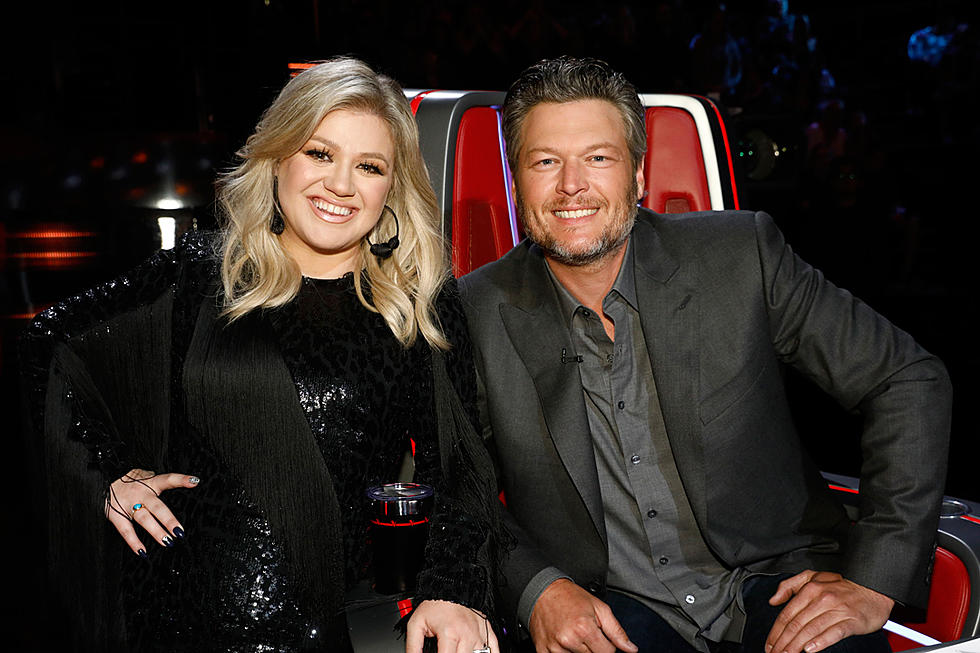 Blake Shelton Is 'Supportive' of Kelly Clarkson Amid Divorce