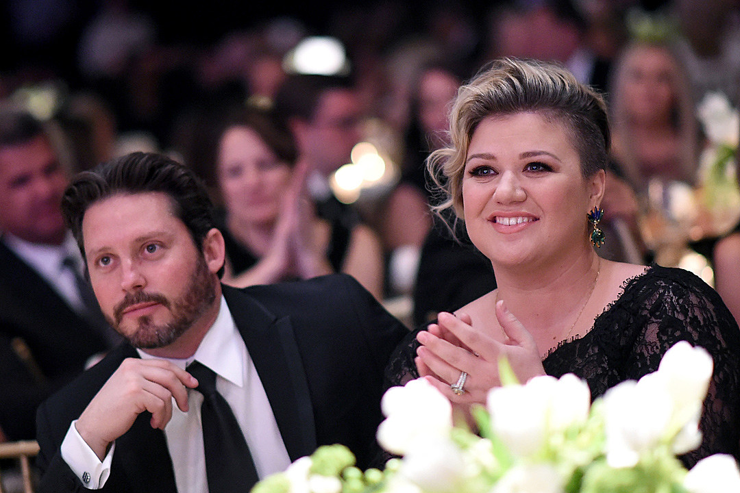 Kelly Clarkson Declared Legally Single Amid Ongoing Divorce
