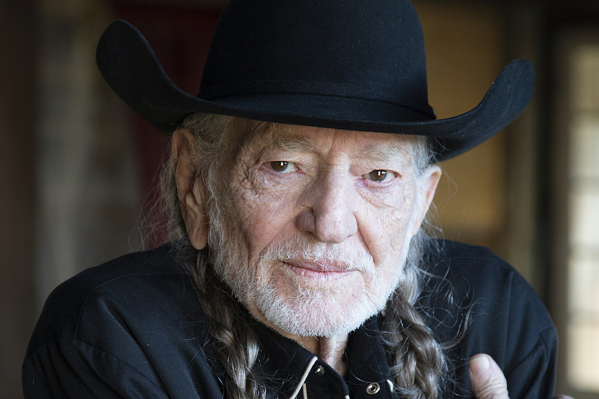 Remember How Willie Nelson Became 'Shotgun Willie'?