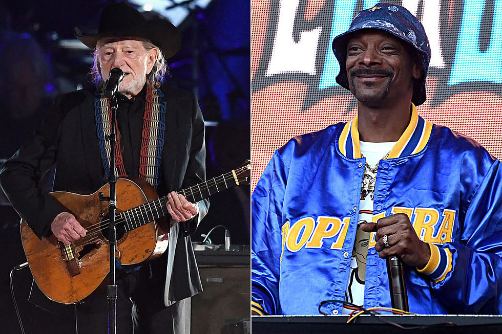 Willie Nelson And Snoop Dogg Are Releasing A New Song Together