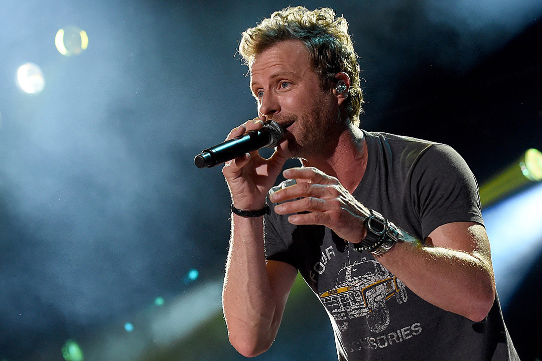 Dierks Bentley Says He's Planning a Dive Bar Tour