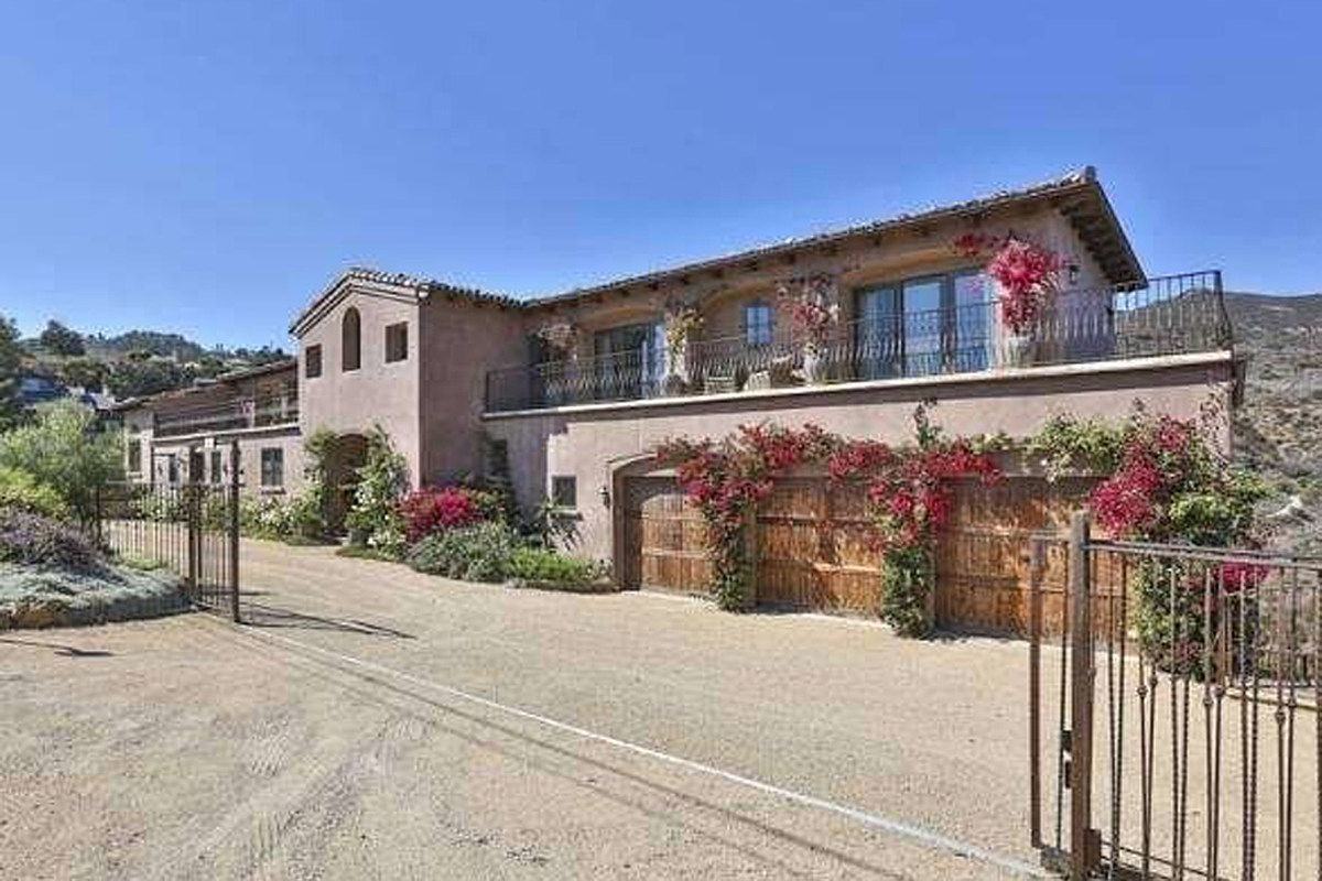 PICTURES: See Inside Glen Campbell's Spectacular $4.5 Million Malibu Estate