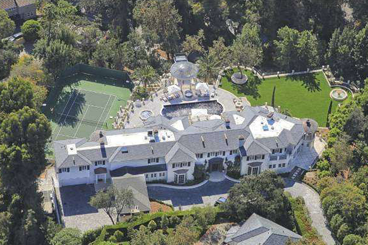 PICTURES: See Inside Kenny Rogers' Mind-Boggling California Mansion