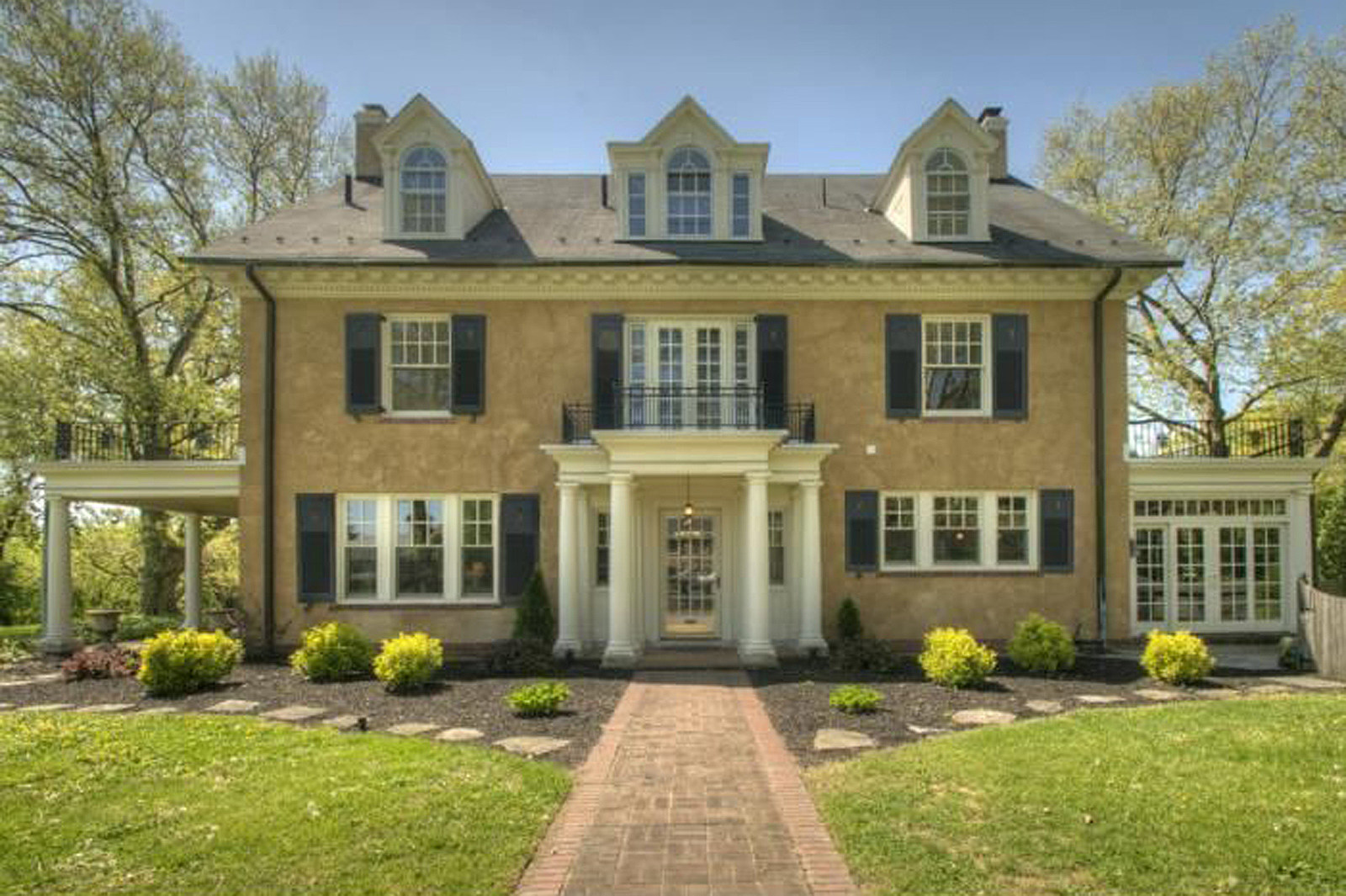 Pics Look Inside Taylor Swift S Luxurious Childhood Home