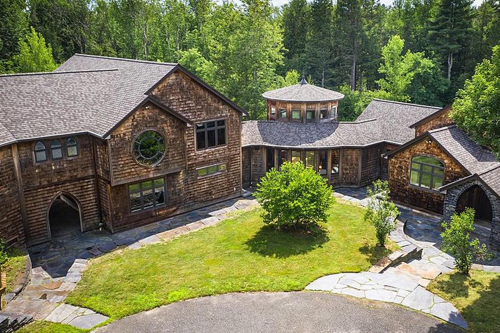 Photo: house/residence of the talented 9 million earning Worthington, Massachusetts-resident