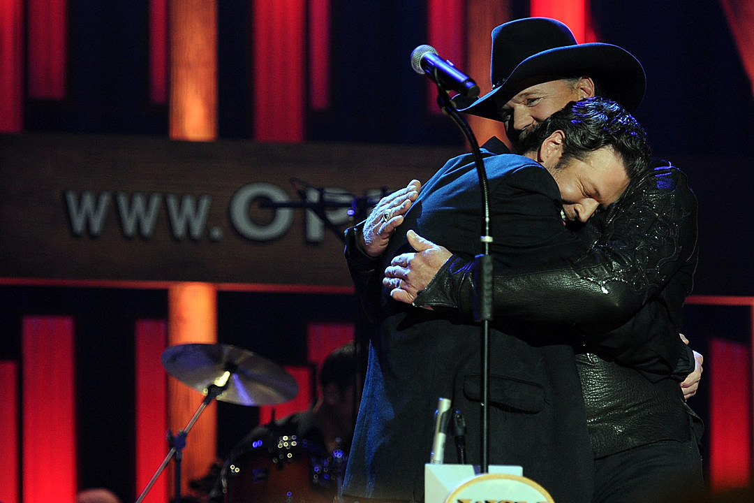 Country Music Memories: Blake Shelton Gets Grand Ole Opry Invite