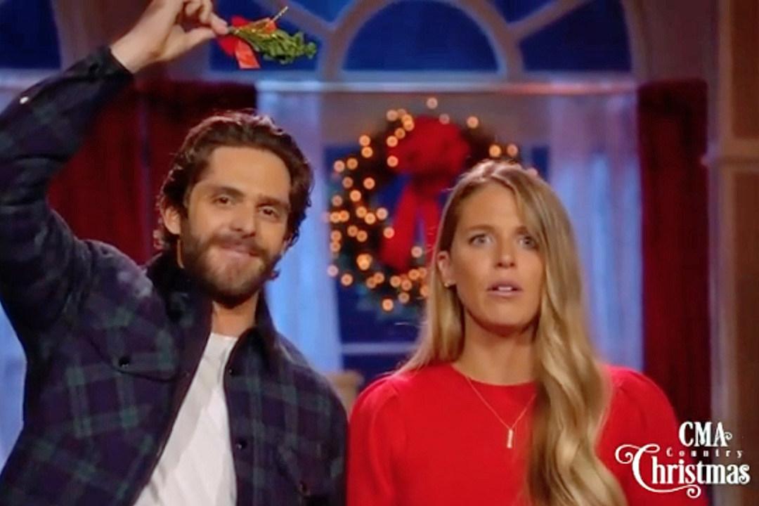 Watch Thomas Rhett + Lauren Akins' CMA Country Christmas Bloopers
