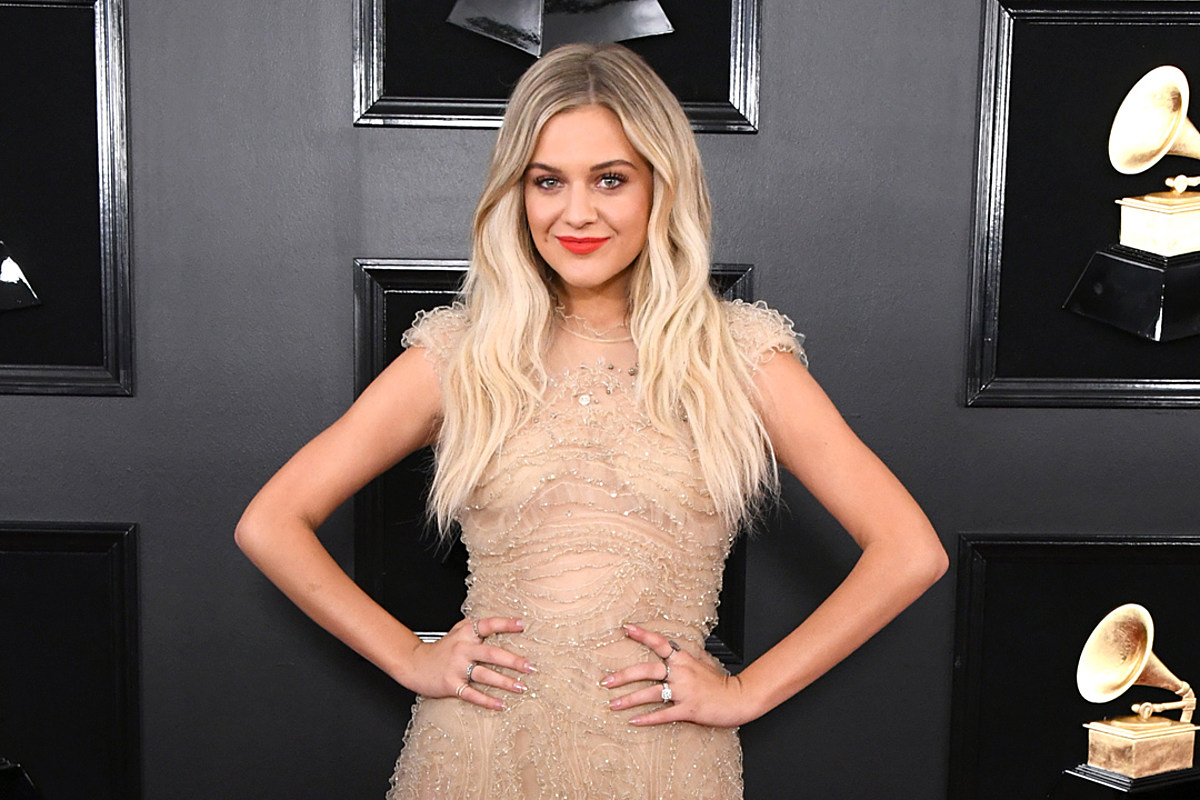 Kelsea Ballerini Thought She Was Texting Kenny Chesney, But ...