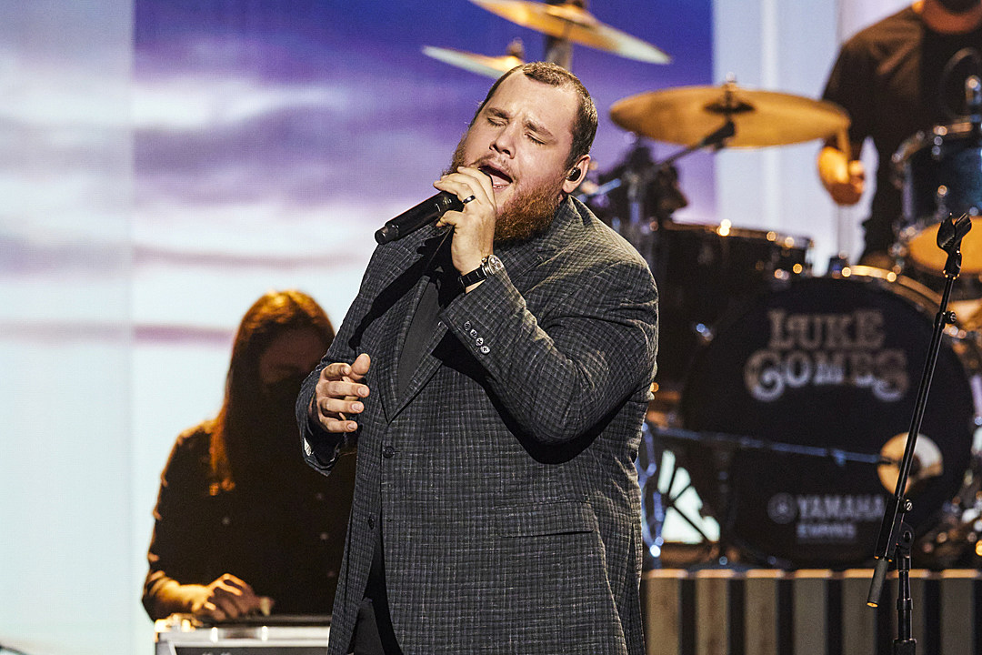 Luke Combs Offers High Class Version of Forever After All at ACMs
